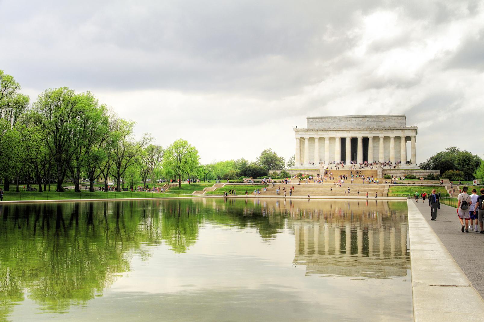 USA_-_Lincoln_Memorial.jpg