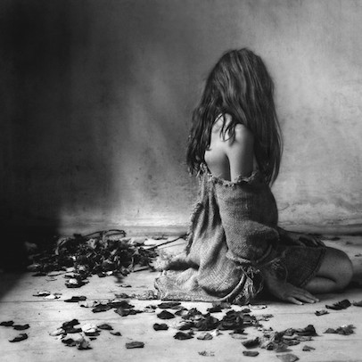 mocanu-bw-blackwhite-tremendo-artistic-black-and-white-photography-woman-sadness-sad-beauty_large.jpg