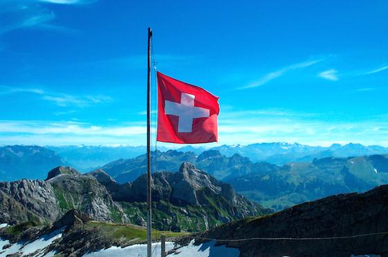 swiss_mountains_1_swiss_flag.jpg