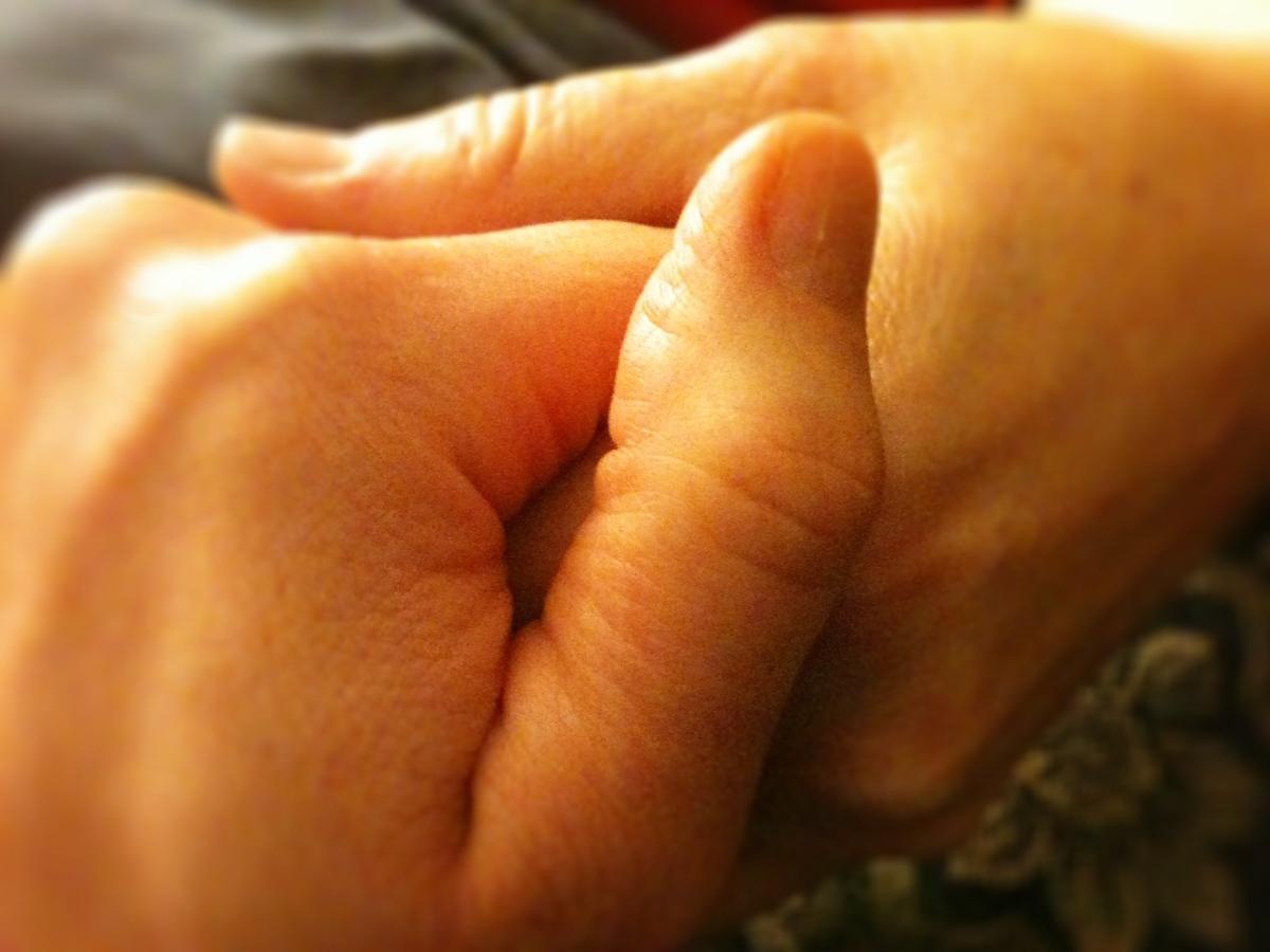 20120307.holdinghands.jpg