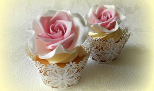 Rose-cupcakes.jpg
