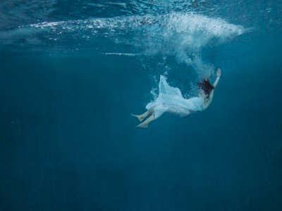 under-the-water.jpg